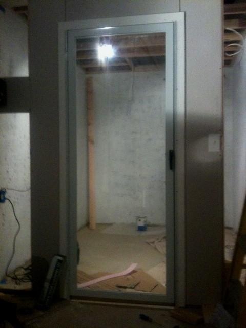 stormdoor2.jpg